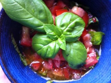 *fresh tomato basil sauce