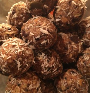 ellens-no-bake-energy-balls